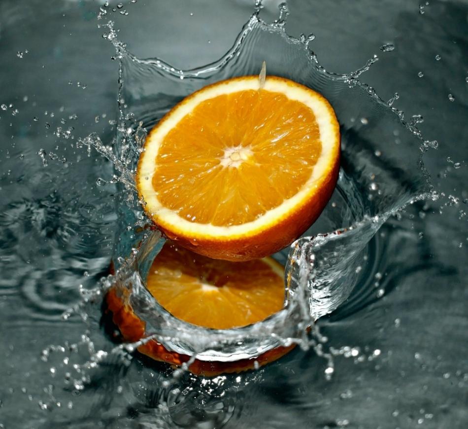 cut_orange_splash.jpg